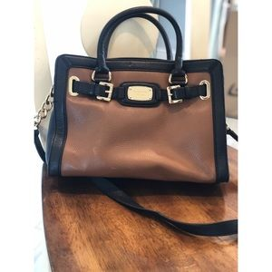 MICHAEL KORS BROWN AND BLACK LEATHER SATCHEL GOLD